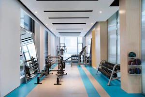 现代风格时尚健身房设计装修效果图