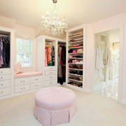 欧式风格精美粉色衣帽间设计装修效果图赏析