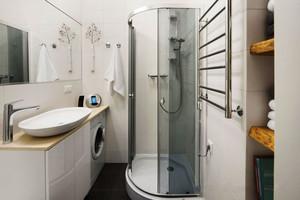 现代风格小户型卫生间淋浴房装修效果图