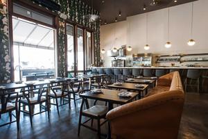 78平米美式风格精致西餐厅设计装修效果图