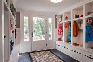 欧式风格别墅室内精美玄关鞋柜设计装修效果图