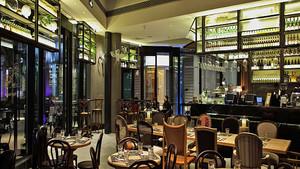 后现代风格精致西餐厅设计装修效果图