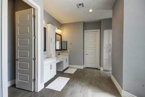 简欧风格大户型精致卫生间设计装修效果图