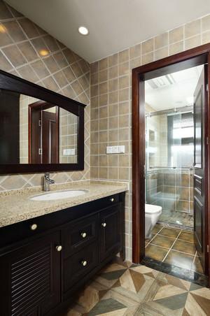 美式风格精致卫生间浴室柜装修效果图