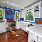 地中海风格别墅蓝色厨房装修效果图赏析