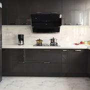 现代简约风格黑色厨房橱柜设计装修效果图