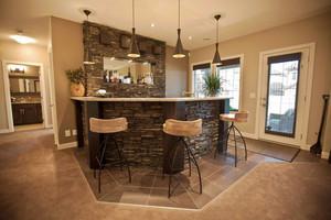 美式风格别墅室内吧台设计装修效果图