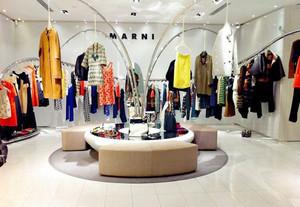 68平米现代风格服装店装修效果图
