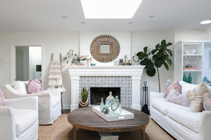 欧式风格纯情白色客厅壁炉装修效果图
