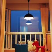 现代风格休闲封闭式阳台装修效果图