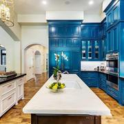 地中海风格别墅室内经典蓝色厨房装修效果图