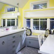 欧式风格精美卫生间飘窗设计装修效果图