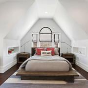 美式风格别墅阁楼卧室装修效果图赏析