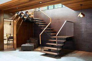 现代风格实木转角楼梯设计装修效果图赏析