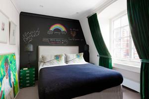 后现代风格时尚创意卧室背景墙装修效果图赏析