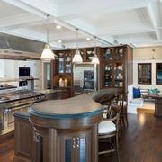 美式风格别墅室内开放式厨房装修效果图