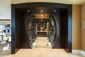 现代风格大户型精致创意酒柜装修效果图