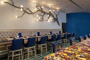 简欧风格时尚创意餐厅背景墙装修效果图