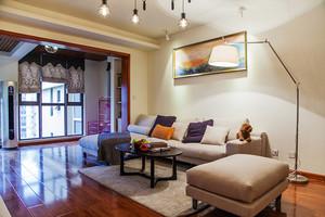 现代风格清新原木色三室两厅两卫装修效果图