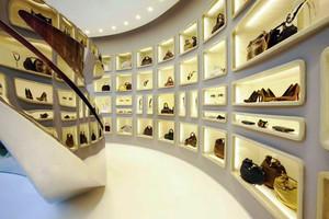 现代风格精致大型鞋店设计装修效果图