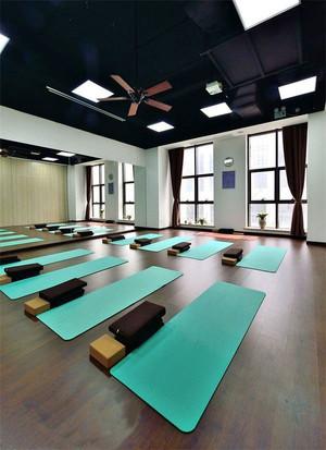 现代风格瑜伽馆装修效果图赏析