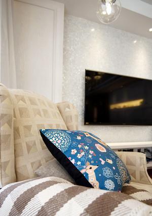 简欧风格明亮舒适精装两室两厅装修效果图