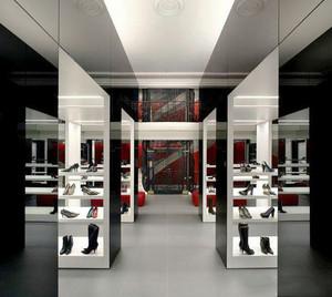 现代风格时尚鞋店设计装修效果图