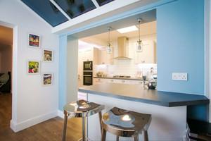 地中海风格清新室内吧台装修效果图赏析