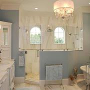 欧式风格别墅室内清新卫生间设计装修效果图