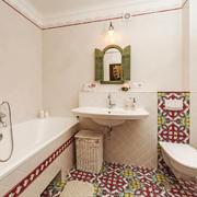 欧式风格浅色卫生间设计装修实景图