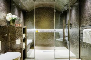 后现代风格时尚卫生间瓷砖装修效果图