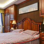 美式风格木质卧室背景墙装修效果图