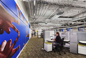 后现代风格办公室吊顶装修效果图