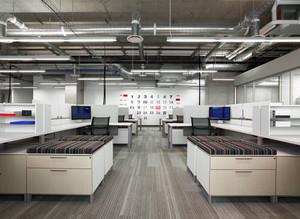 现代简约风格办公室装修实景图