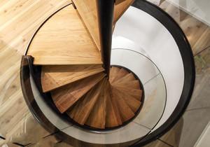 现代风格时实木质旋转楼梯设计装修效果图