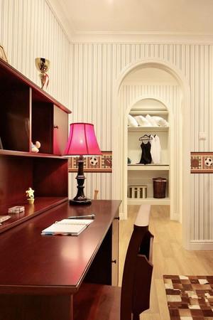 欧式田园风格甜美温馨四室两厅室内装修效果图