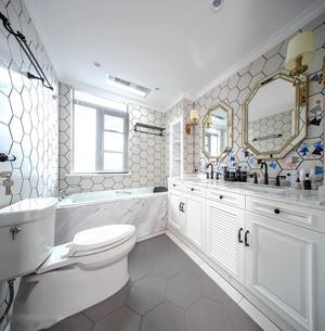 欧式风格精美浅色卫生间设计装修效果图