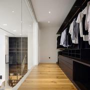 现代风格复式楼开放式衣帽间装修效果图