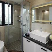 现代简约风格卫生间淋浴房装修效果图