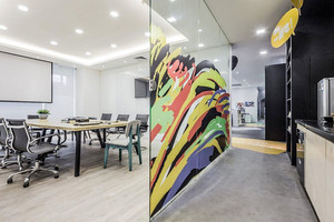 现代风格办公室隔断装修效果图