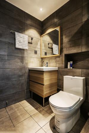 现代风格精致卫生间设计装修效果图