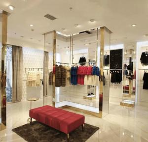欧式风格精美服装店设计装修效果图