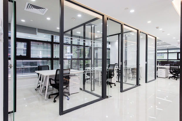 现代风格精致办公室隔断设计装修图