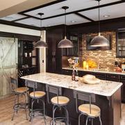 美式风格复古时尚开放式厨房吧台装修效果图