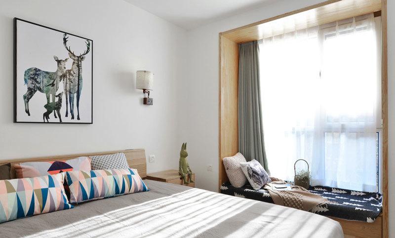 北欧风格简约温馨卧室飘窗装修效果图