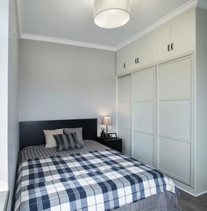简约风格小户型卧室衣柜设计效果图