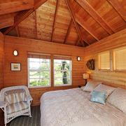 东南亚风格精致阁楼卧室设计装修效果图