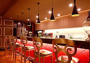 后现代风格时尚创意酒吧吧台装修效果图