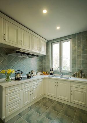 简欧风格精美厨房橱柜设计装修效果图
