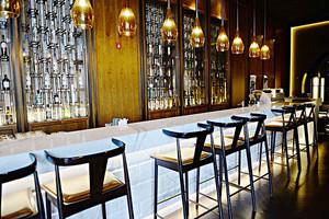 后现代风格精美酒吧吧台设计装修效果图